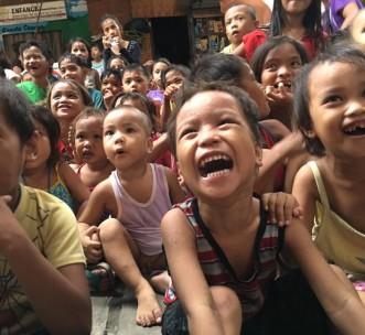 """Children in the """"Temporary housing"""" area in Tondo, Manila"""